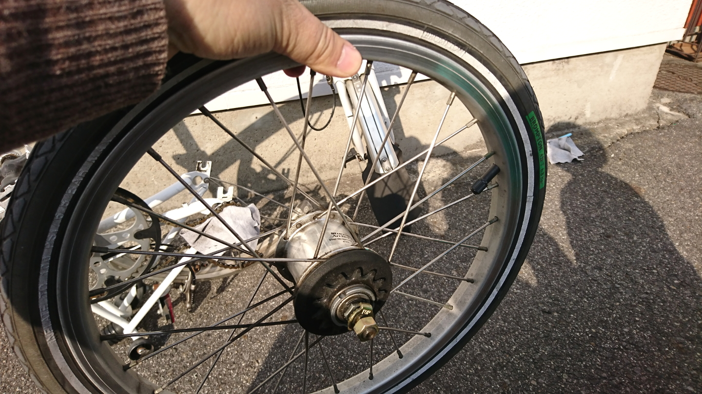 ブロンプトンの後輪パンク修理